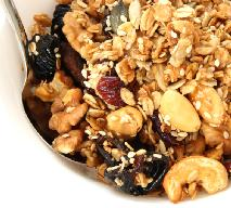 Domowe musli - przepis na pełnowartościowe śniadanie
