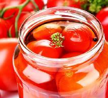 Przepis na konserwowe pomidory - jak zrobić?