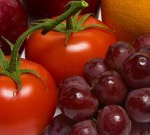 Wykwintna sałatka z pomidorów i winogron - oryginalny przepis