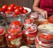 Rewelacyjna sałatka z pomidorów i cebuli do słoików