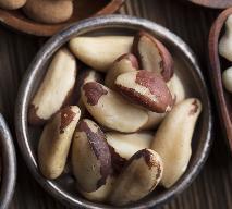 Orzechy brazylijskie - jakie mają właściwości? Dlaczego warto je jeść?