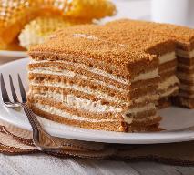 Pyszne ciasto miodowe: przepis krok po kroku