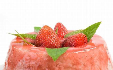 Jak zrobić mrożony mus truskawkowy? Podajemy łatwy przepis