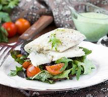 Dorsz na świeżych warzywach z truskawkami z menu beszamel