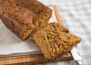 Chleb z mąki z pełnego przemiału z marchwią