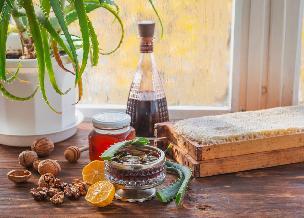 Wzmacniające wino aloesowe - przepis na napój aloesowy na winie