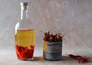 Ananas i czerwone papryczki chili - infuzja na żytniej wódce