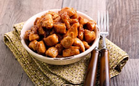 Pikantne bitesy z piekarnika: śmiesznie łatwy przepis na pieczone kawałki piersi kurczaka