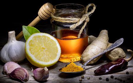 Mocny naturalny antybiotyk - przepis na domową miksturę na odporność i przeziębienia