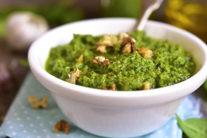 Pesto cytrynowo-szpinakowe: przepis