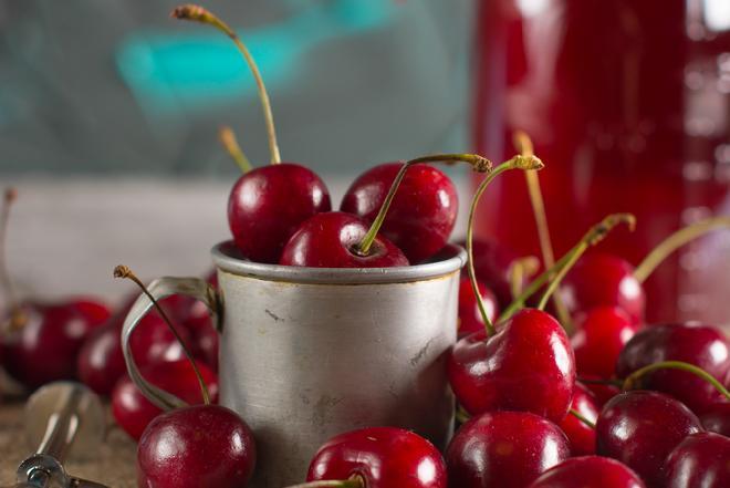 Syrop z wiśni: prosty przepis na leczniczą miksturę